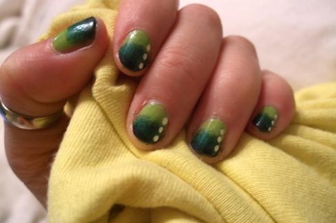 nail art green fade