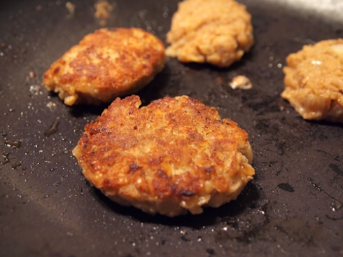fried red lentil cakes urbanpocketknife