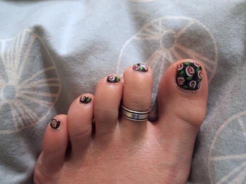 nail art roses urbanpocketknife