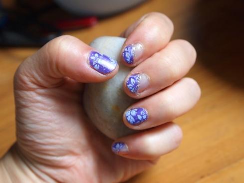nail art lavendar floral urbanpocketknife