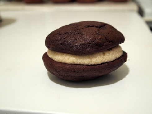 chocolate peanut butter whoopie pie urbanpocketknife